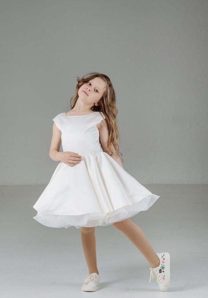 ... Белое платье девочке на праздник купить. Біла святкова сукня на дівчинку  ... b409adbe21393