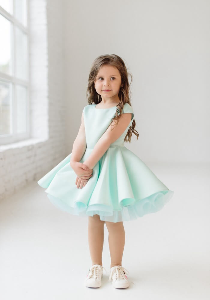 Очаровательное платье на выпускной в садик на девочку мятного цвета 6d375cba738e4