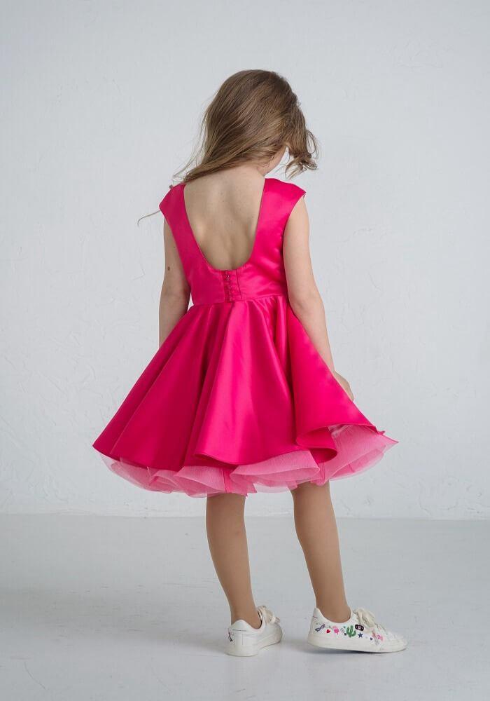 Пышное платье на девочку малинового цвета