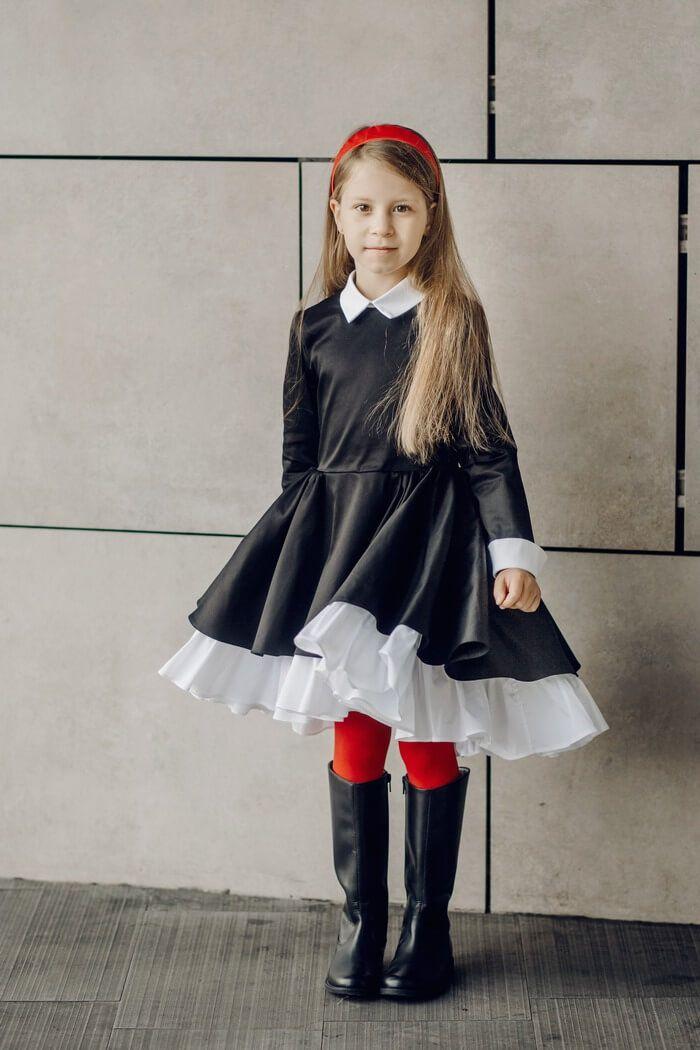 Стильные школьные платья черного цвета на девочек