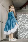 Синя сукня на дівчинку для школи