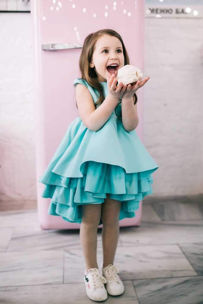 Мятное нарядное платье на маленьку девочку 4 года
