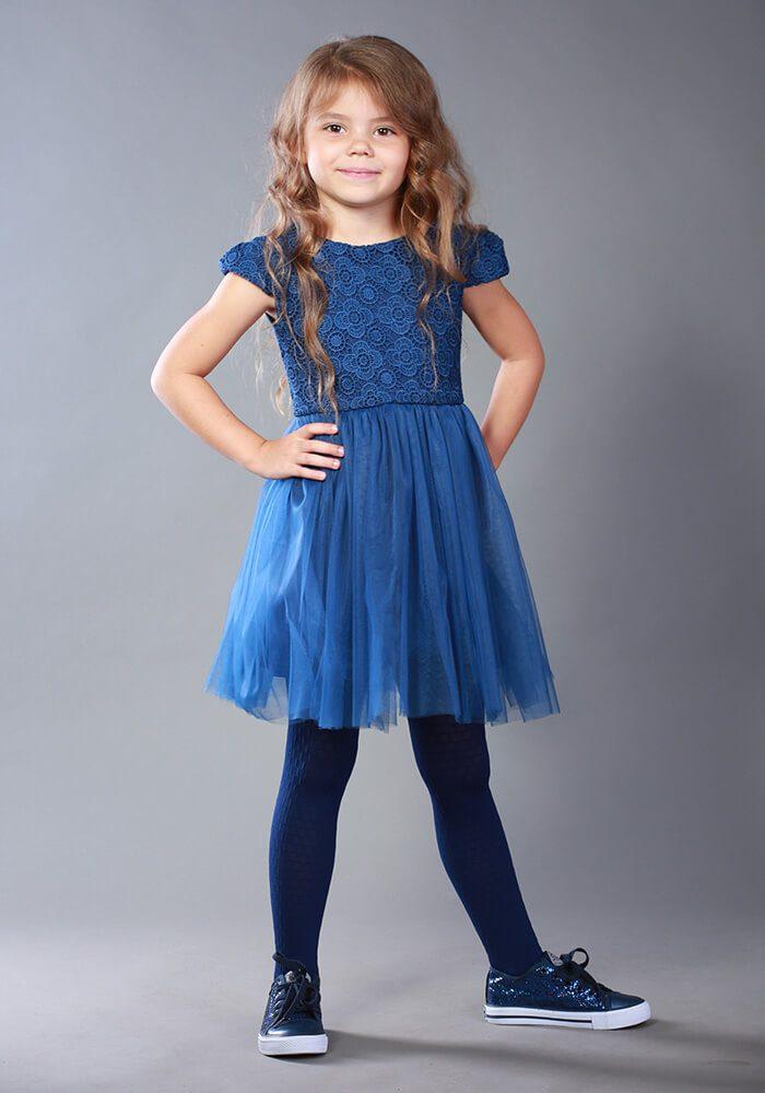 Синя сукня на дівчинку
