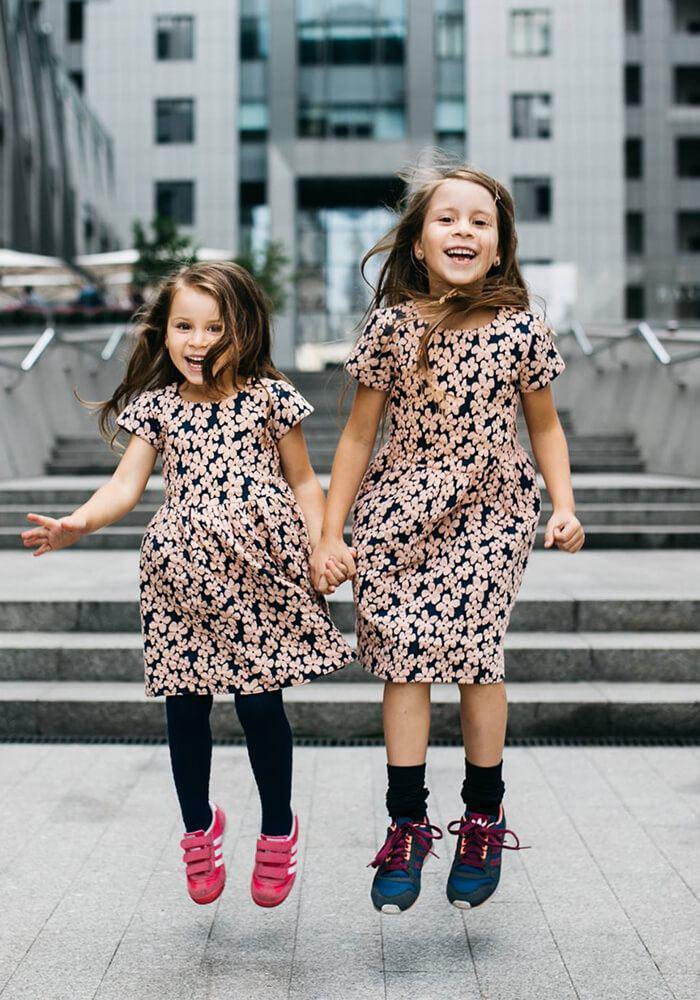 Платья на девочек ежедневные и нарядные