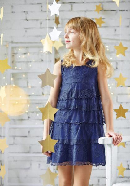 Красивое синее платье на девочку