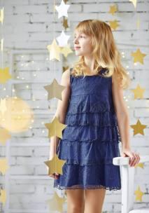 Синє плаття на дівчинку