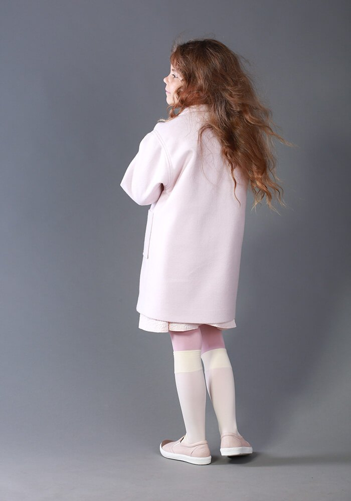 Рожеве пальто на дівчинку