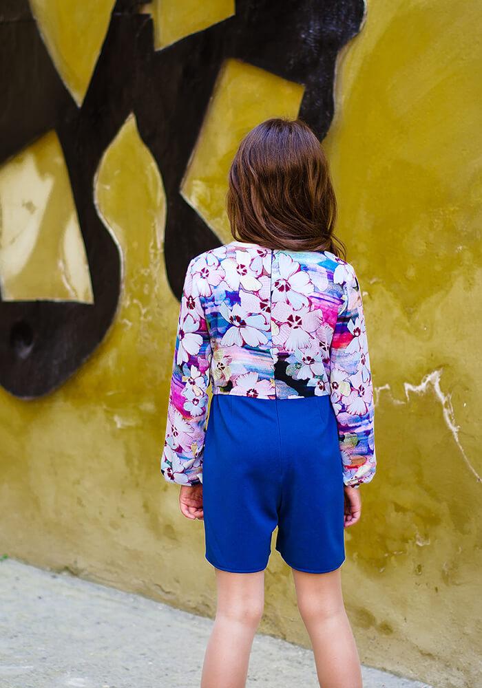 Сині шорти на дівчинку