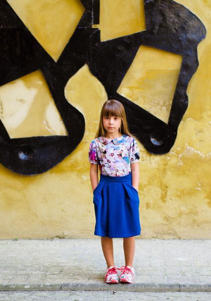 Синяя юбочка на девочку