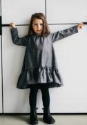Серое теплое платье на девочку