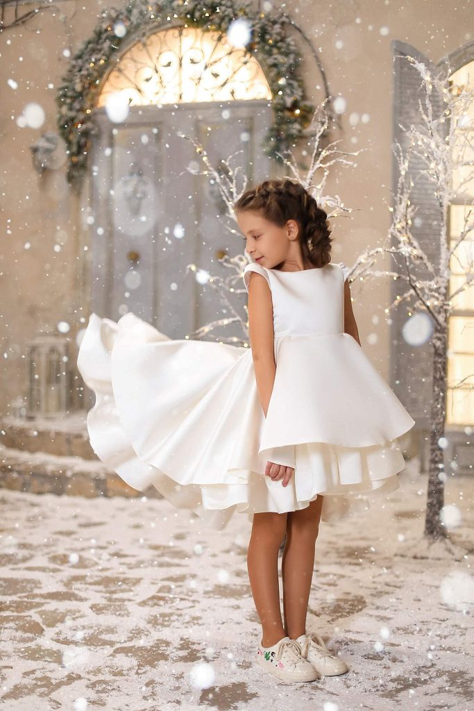 Молочное платье на девочку - отличное для віпускного в садике, на свадьбу, на праздник