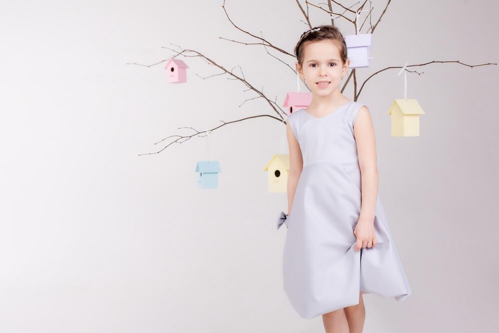 Платье на девочку пастельного цвета