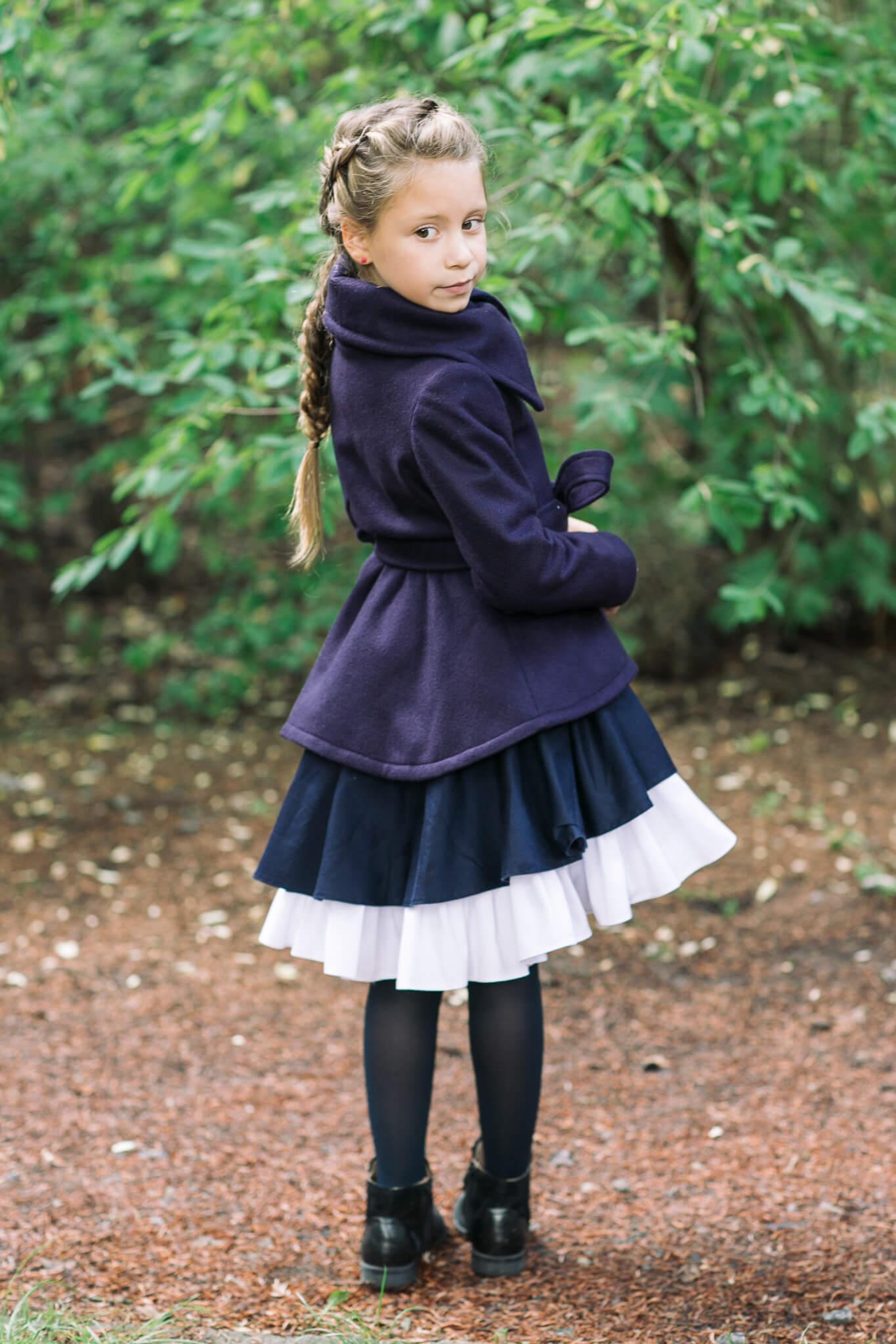 Синее пальто девочке