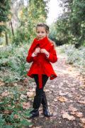 красное пальто на девочку