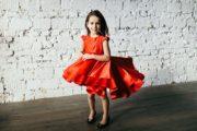 Червона нарядна сукня на дівчинку