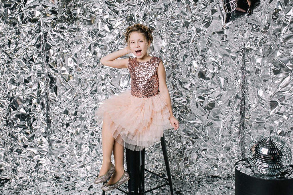 красивое коктельное платье на девочку 7 лет с блестками купить Киев