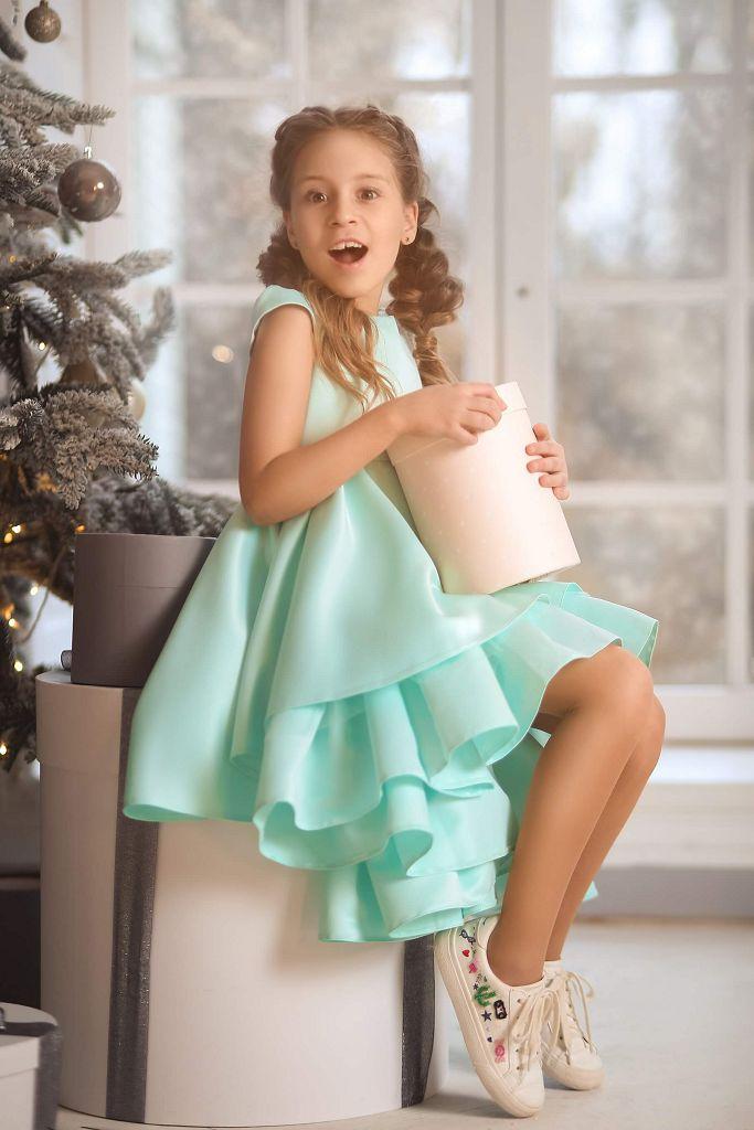 мятное платье на девочку нарядное, атласное, с красивыми воланами