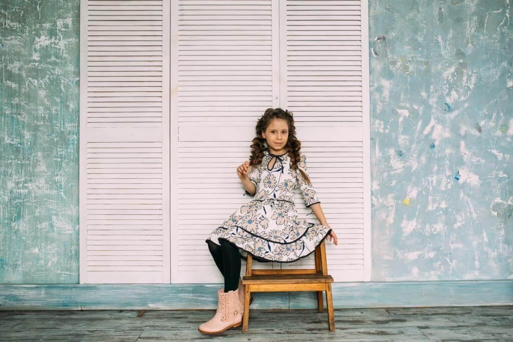 Стильное платье с цветами на девочку - купить в интернет магазине детских платьев Malyna.ua