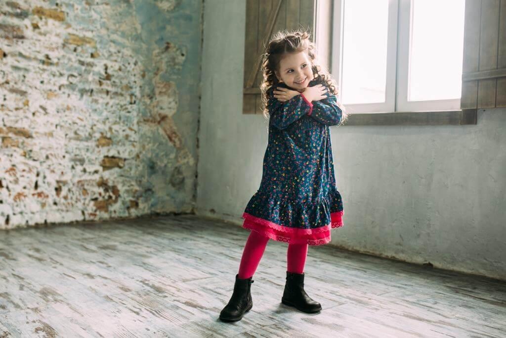 Платья на девочек - ежедневные, нарядные, в школу от бренда Malyna
