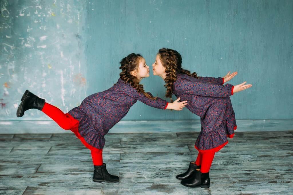 Очаровательные платья на девочек Malyna