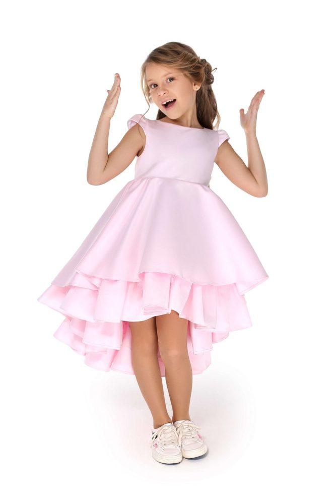 Розовое нарядное платье на выпускной в сад девочке