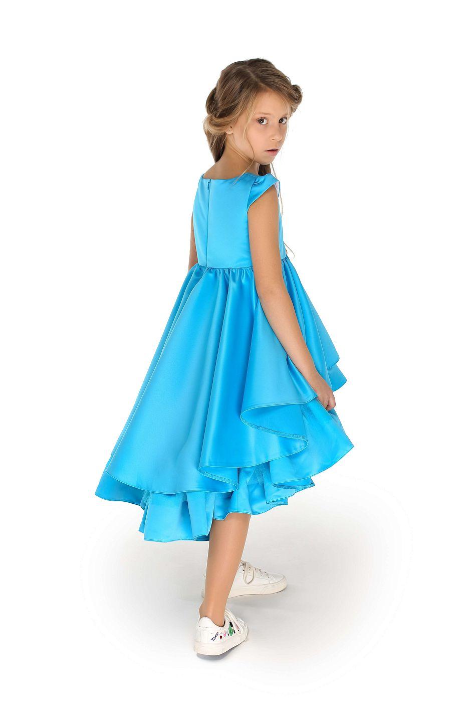 Блакитна сукня з воланами з атласу на дівчинку