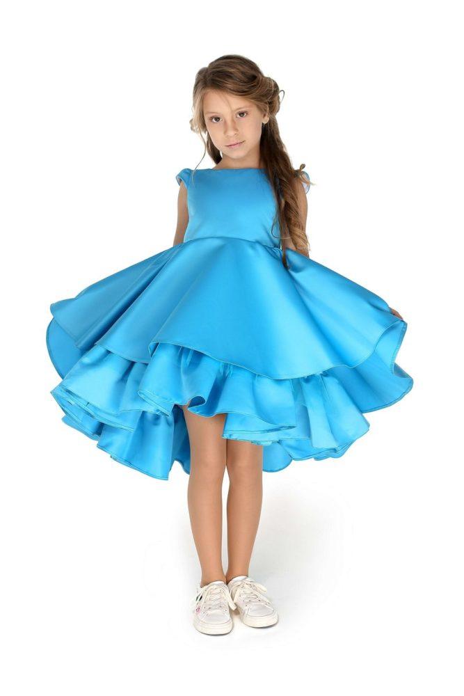 Нарядне плаття на дівчинку голубе