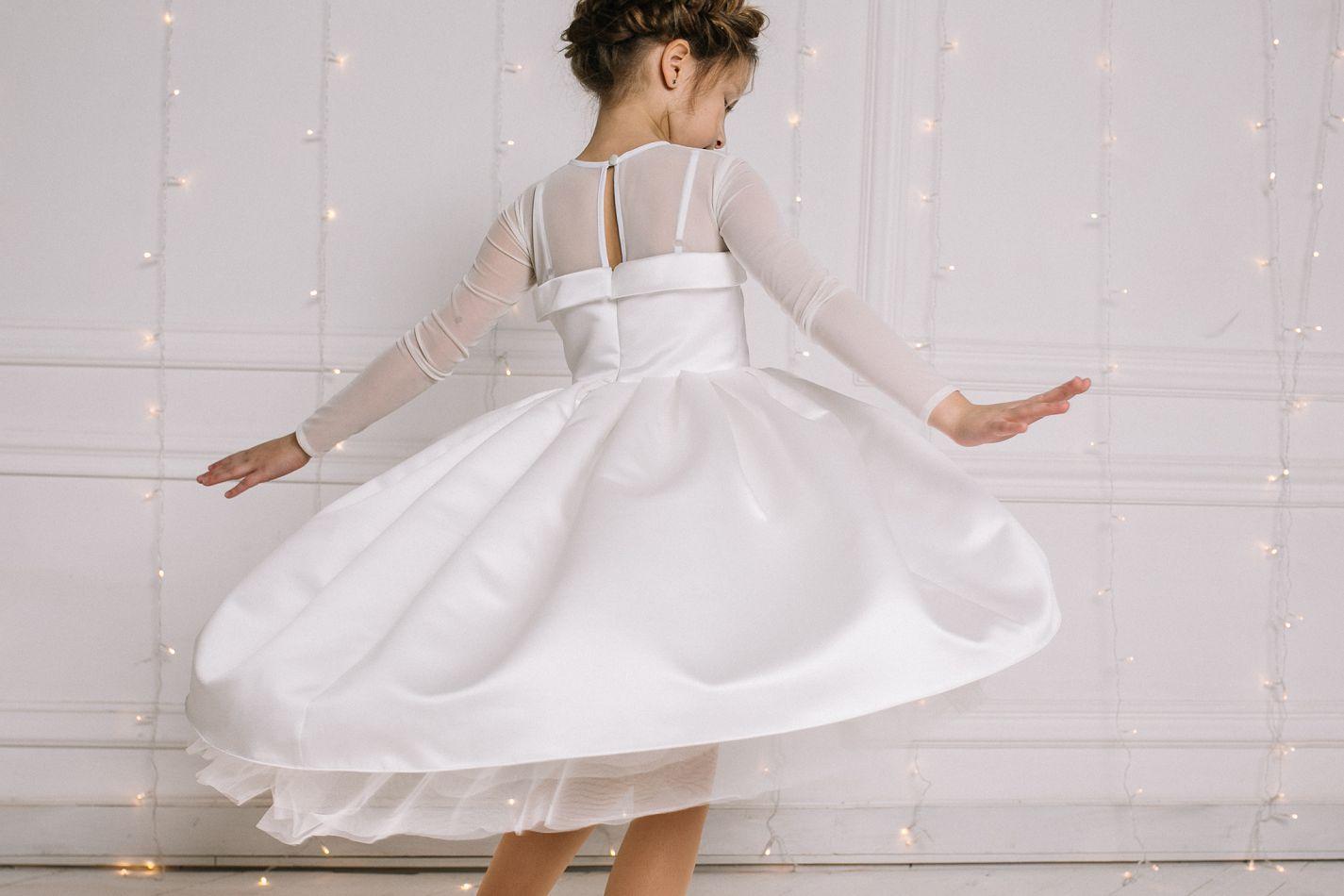 ... Біла святкова сукня на дівчинку  Нарядне біле плаття дівчинці ... b44e3e5687f6d