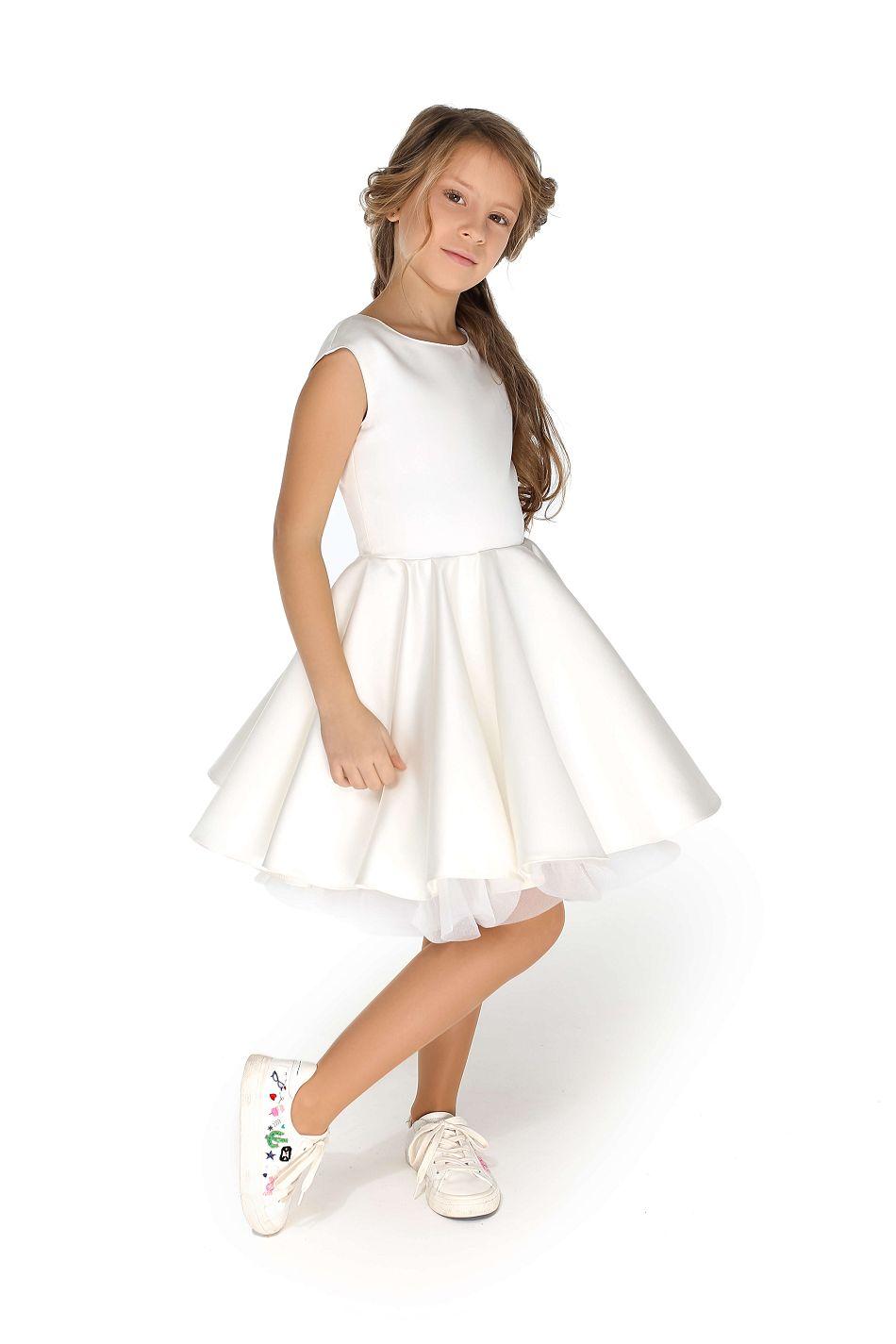 Біла святкова сукня на дівчинку на свято