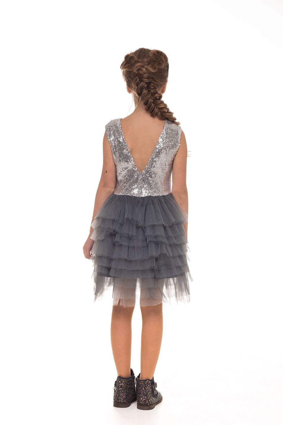 Нарядное серебристое платье на девочку