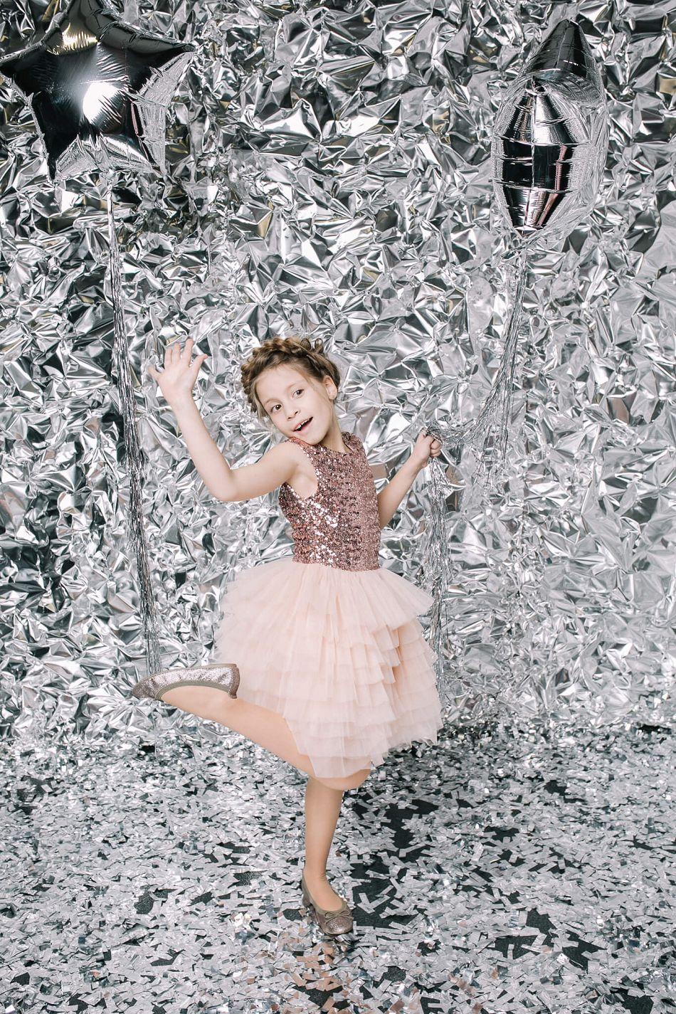 Бежевое платье с блестками на девочку Malyna