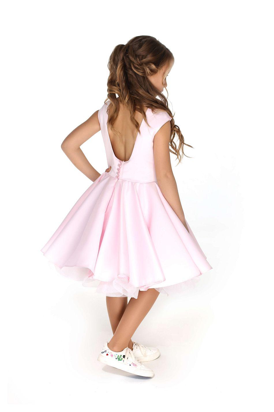 Нежно-розовое платье на девочку нарядное