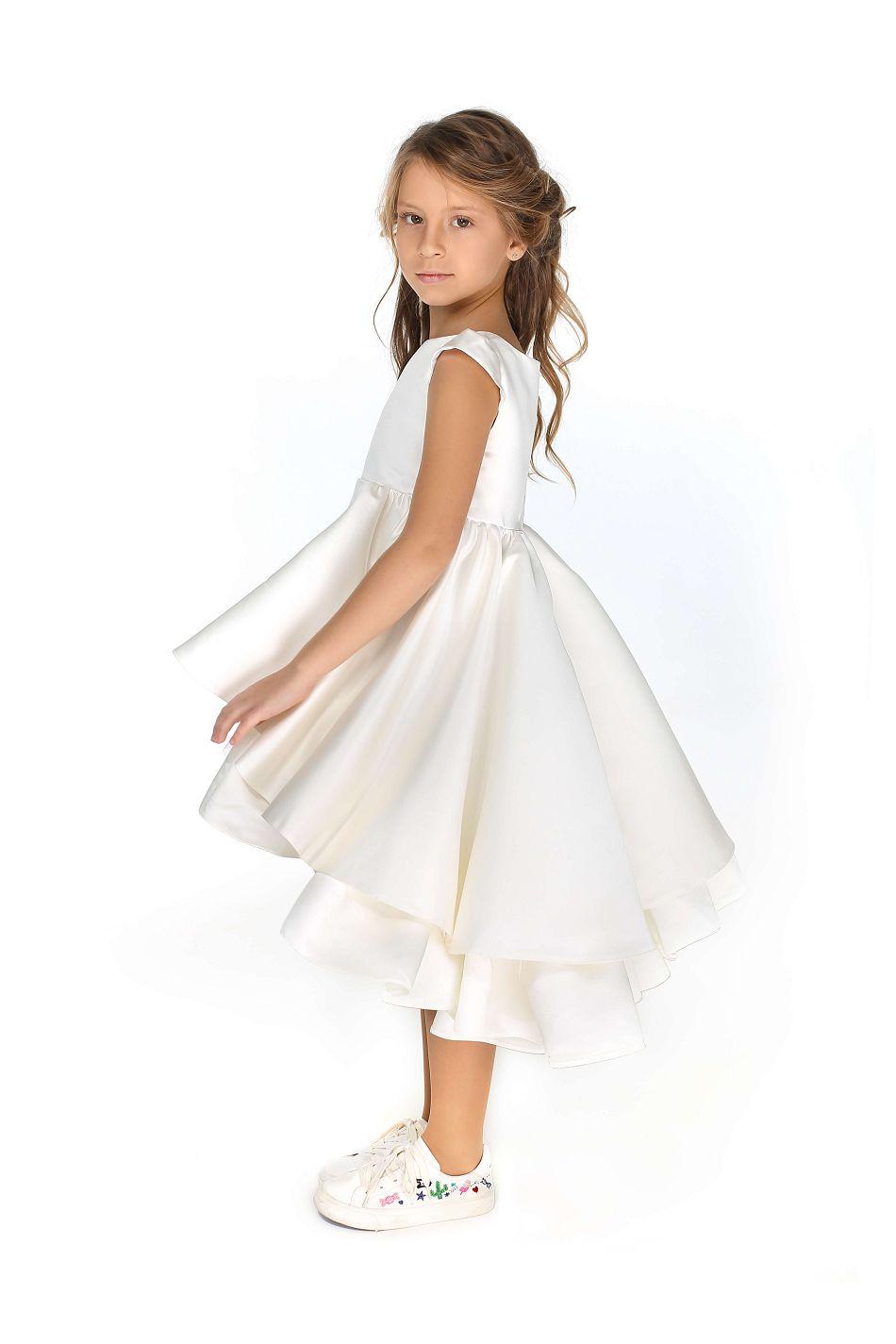 Нарядное белое платье на девочку