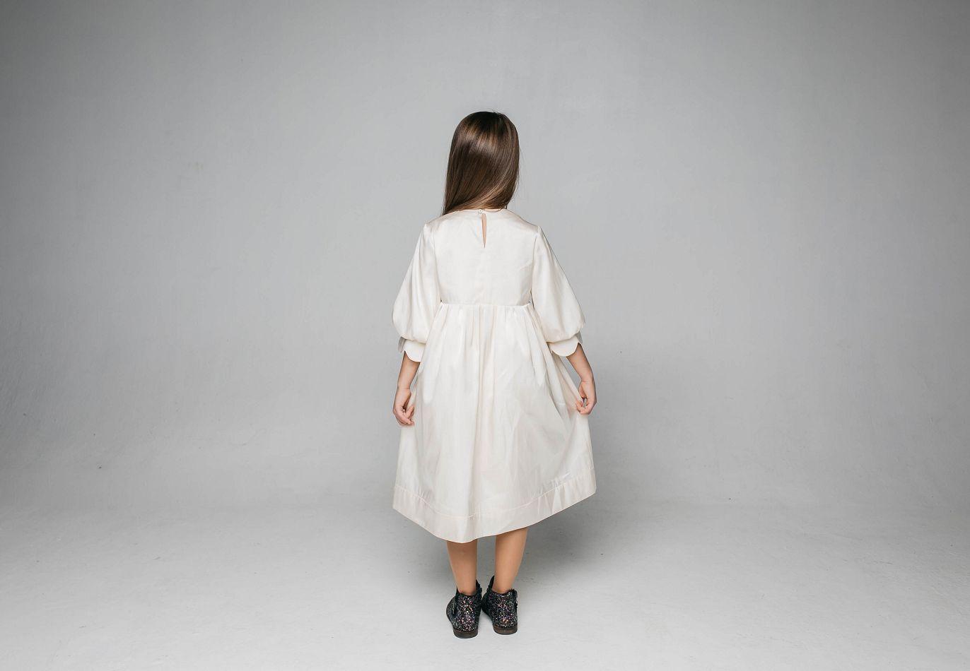 Дуже ніжна сукня для дівчинки