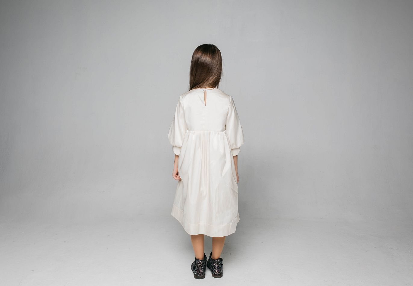 Сукня з італійського атласу на дівчинку