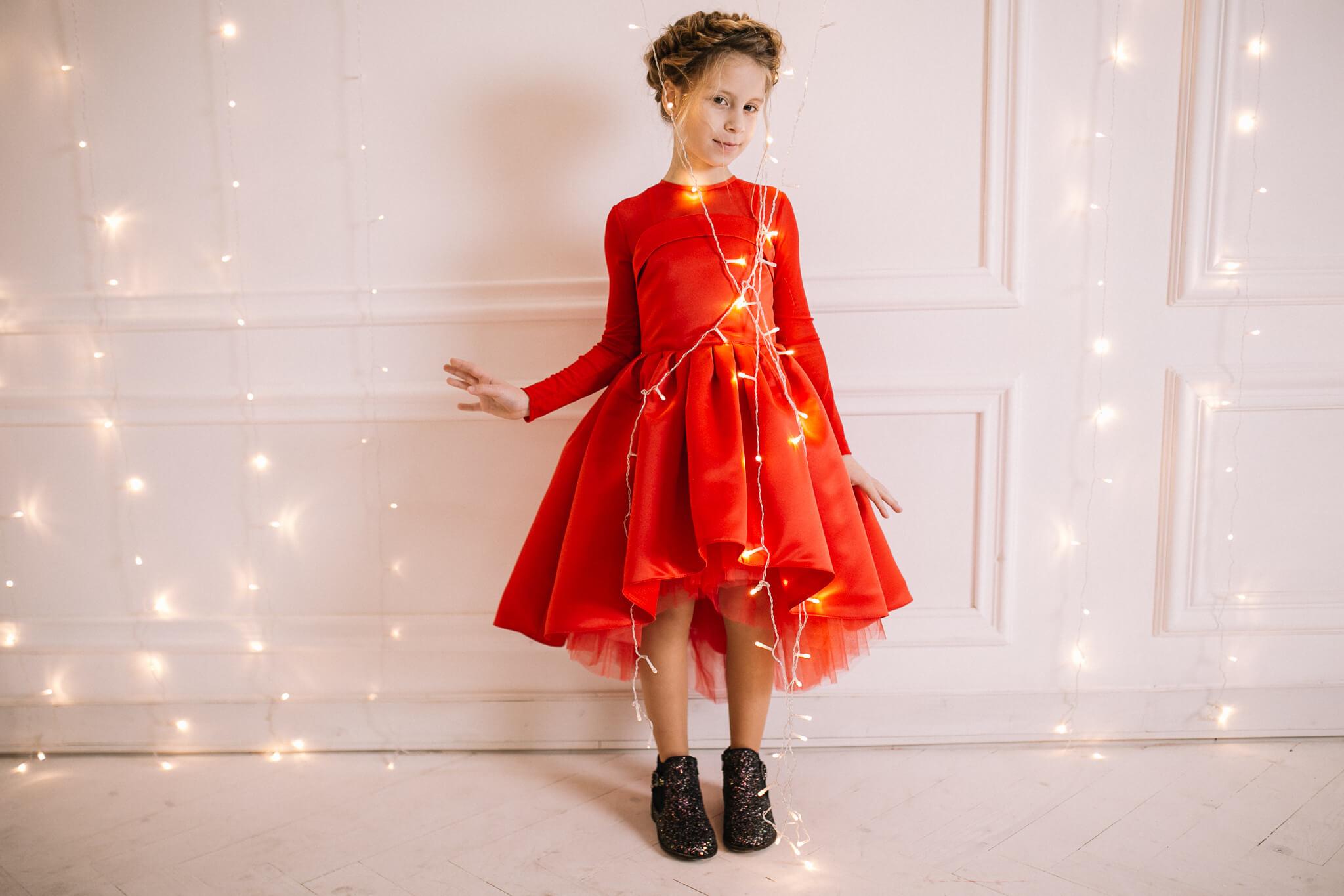 Червона святкова сукня на дівчинку