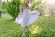 красивое летнее платье на девочку в мелкую полоску - натуральная ткань