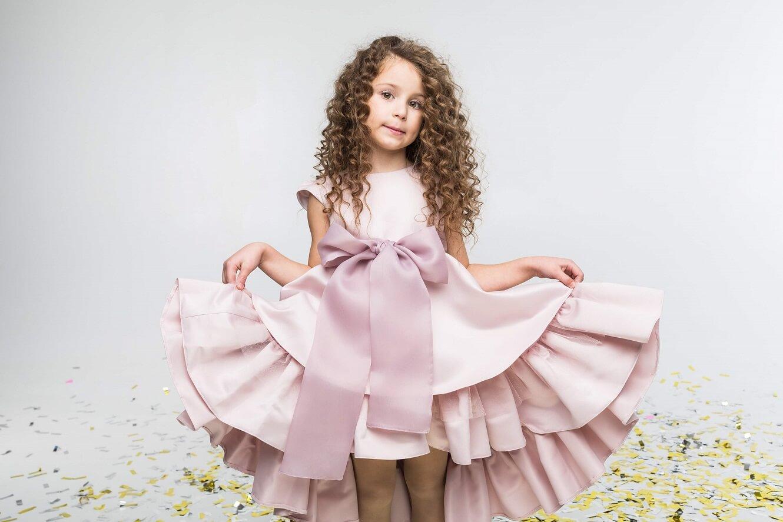 пудровий бант на плаття