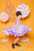 нарядн сукня на дівчинку бузкового кольору