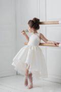 неймовірна сукня на дівчаток білого кольору