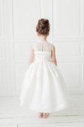 біле нарядне плаття на дівчинку