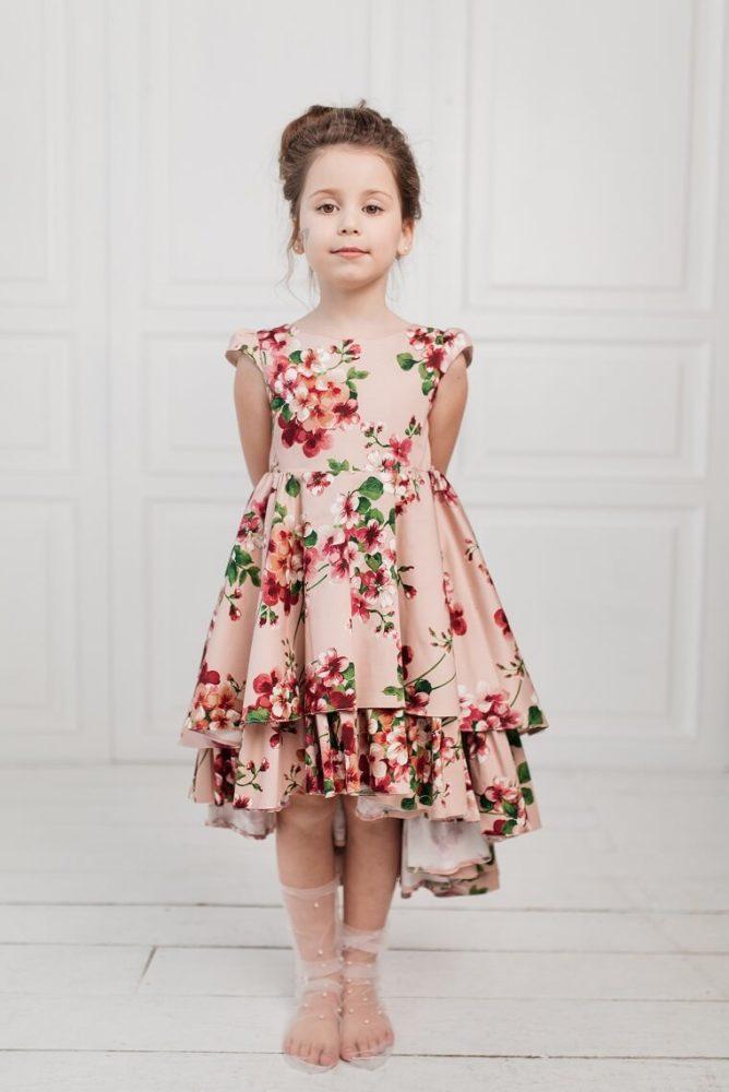 персикова сукня на дівчинку